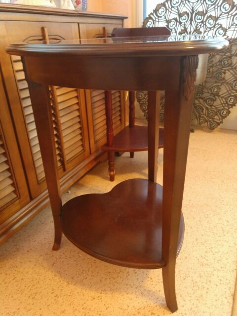 Universal Furniture Broadmoore Wedge Shaped Accent Table Scratch