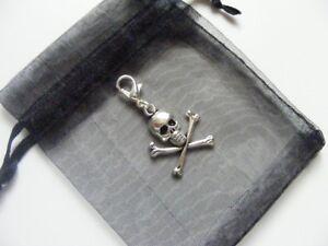Skull-Crossbones-Clip-On-Charm-For-Bracelets-Anklets-Handbag-Zip-Pull-amp-Gift-Bag