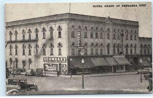 Hotel-Grand-Nebraska-City-NE-1940s-Street-View-Rexall-Schwake-039-s-Old-Postcard-C41