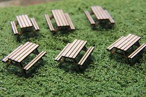 Lasercut-Bausatz-6-Bank-Tisch-Garnituren-H0