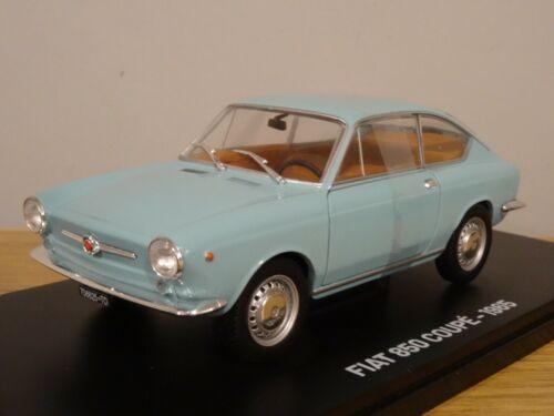 HACHETTE Altaya Ixo Fiat 850 Coupé 1965 bleu clair modèle de voiture MF02 1:24