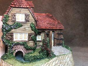 Lover-s-Tryst-David-Winter-Cottage-John-Hine-Studios-Mint-Coa-Boxed