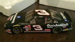 RARE-Dale-Earnhardt-Sr-Revell-1-18-scale-2001-GM-Goodwrench-Service-Plus-COA