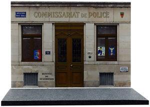 Diorama-presentoir-Commissariat-de-Police-1-43eme-43-2-A-A-097
