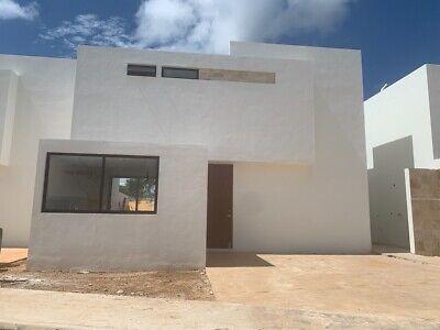 Renta de Casa al Norte de Mérida , Nueva con Piscina  en Privada