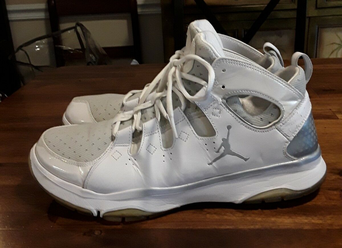 TR 102 487435 Jordan Nike White Legend US 12.5 Size shoes