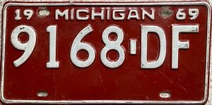 1969 Michigan Great Lake State American License Licence USA Number Plate 9168 DF