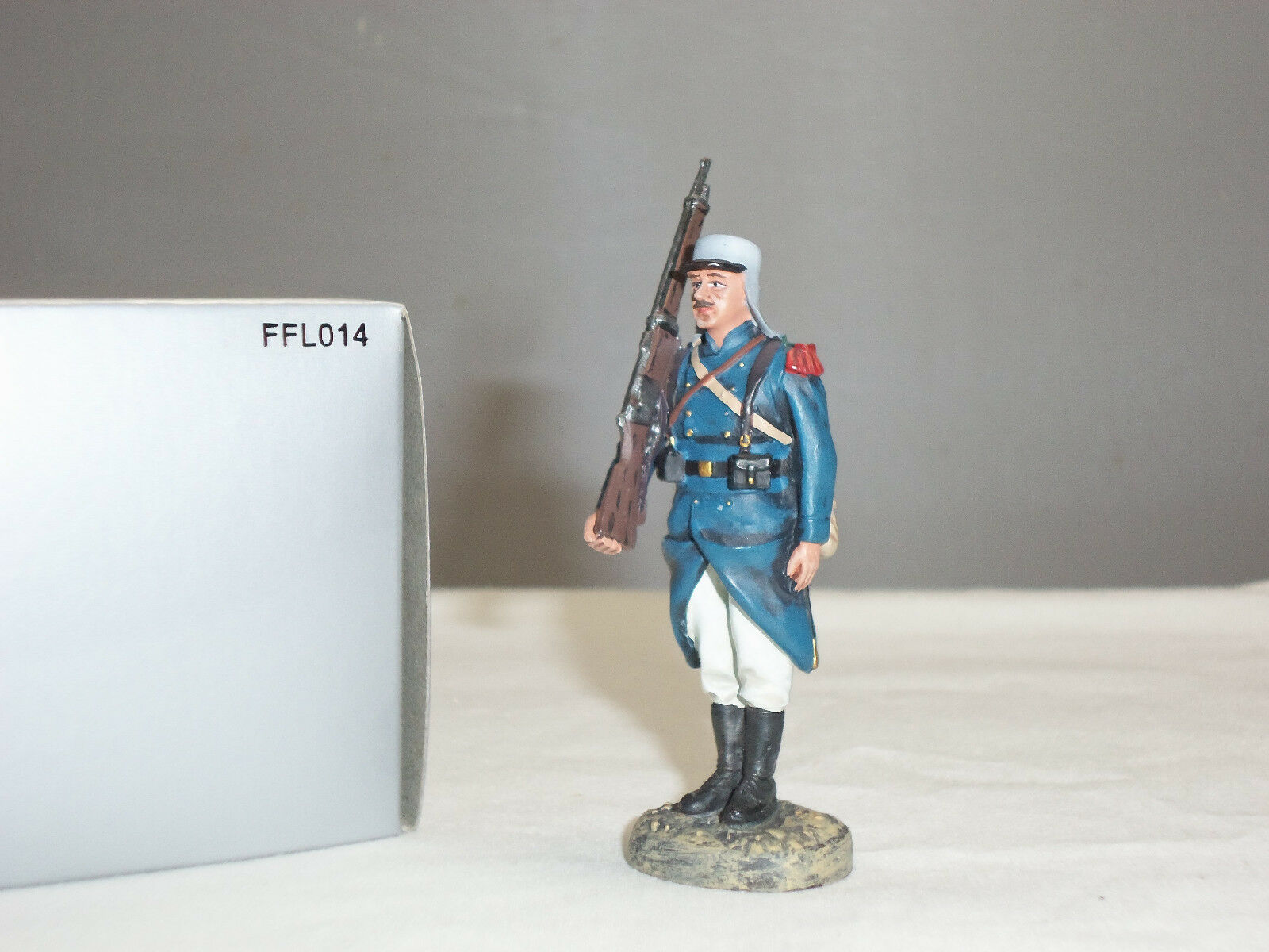 THOMAS GUNN FFL014 FRENCH FOREIGN LEGION PARADE SOLDIER WITH STUBBLE FIGURE