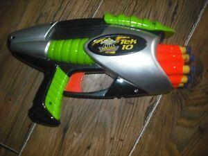 Logique Buzz Bee Toys Nerf Style Air Blaster Tek Rotatif 10 Pistolet Mousse & Sucker Balles-afficher Le Titre D'origine