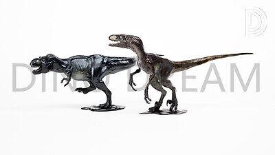 DINO DREAM Velociraptor /& Trex faux bronze set