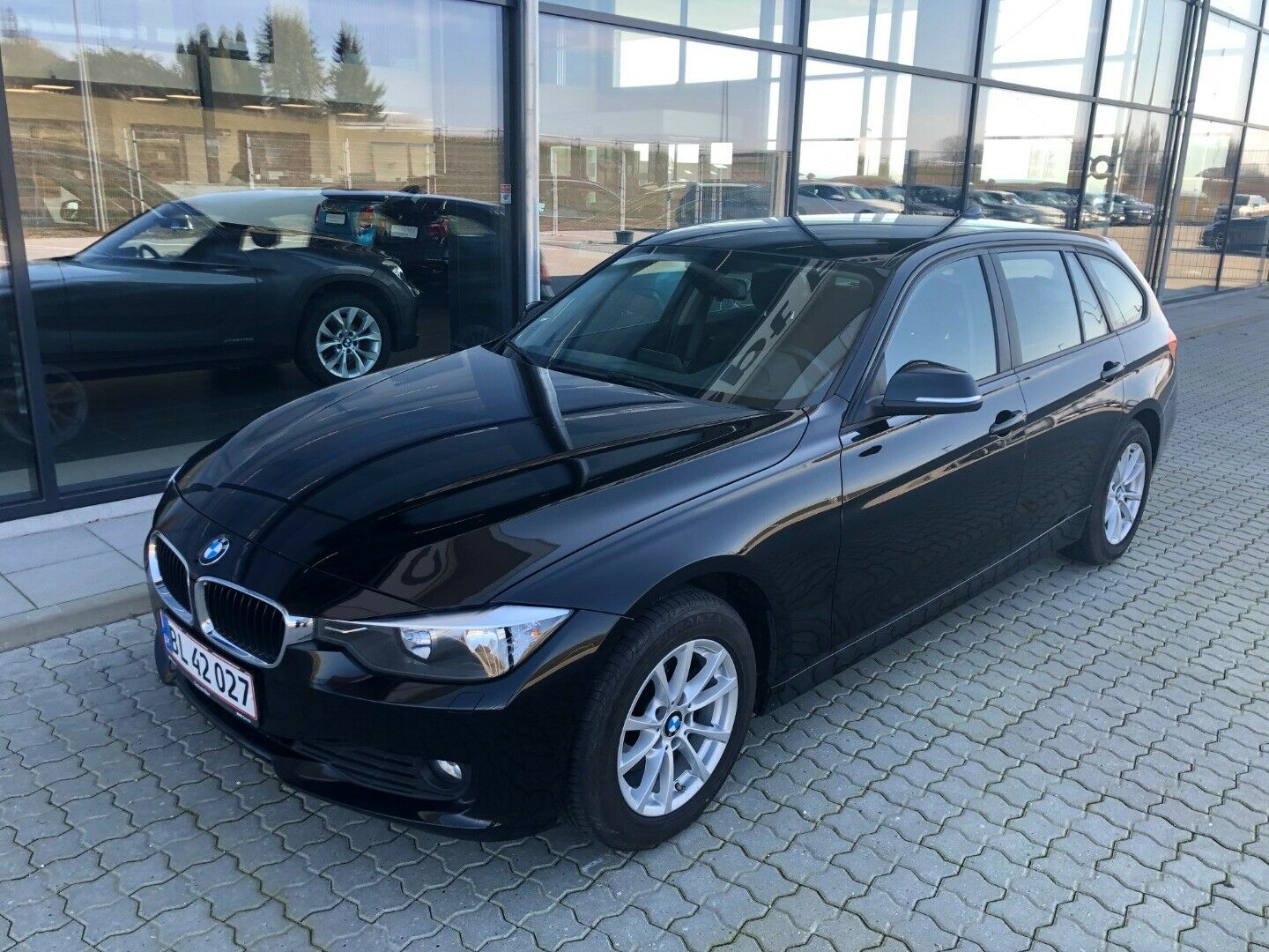 BMW 320d 2,0 Touring 5d - 249.900 kr.