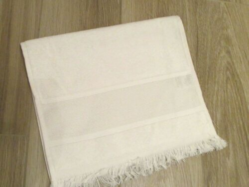 Maxton Velour Guest Towel White NWO Tags