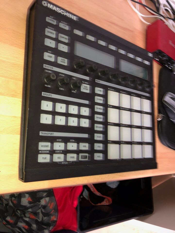 Beat Maschine, Native Instruments Maschine MK1
