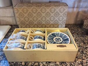 Vintage-Noritake-China-Tea-Set-Japan-4795-Tea-Cups-Saucers