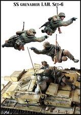 Evolution Miniatures 1/35 WWII German Grenadiers LAH (1 Figure)