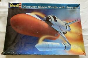 Revell-Discovery-Space-Shuttle-with-Boosters-No-4544