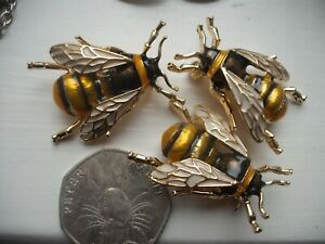 Vintage-Style-HONEY-BEE-Bumble-Insect-ENAMEL-BROOCH-Pin-JUST-ONE-BROOCH-SEE-PICI