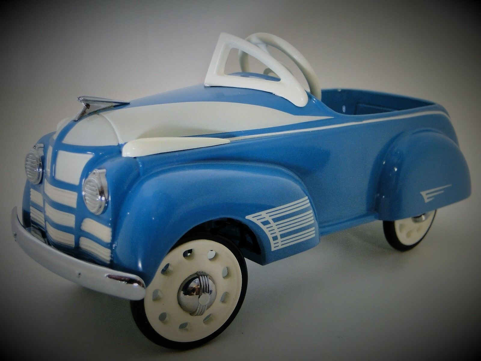 blueee Pedal Car 1950s 88 Oldsmobile Olds Metal Collector    READ FULL DESCRIPTION
