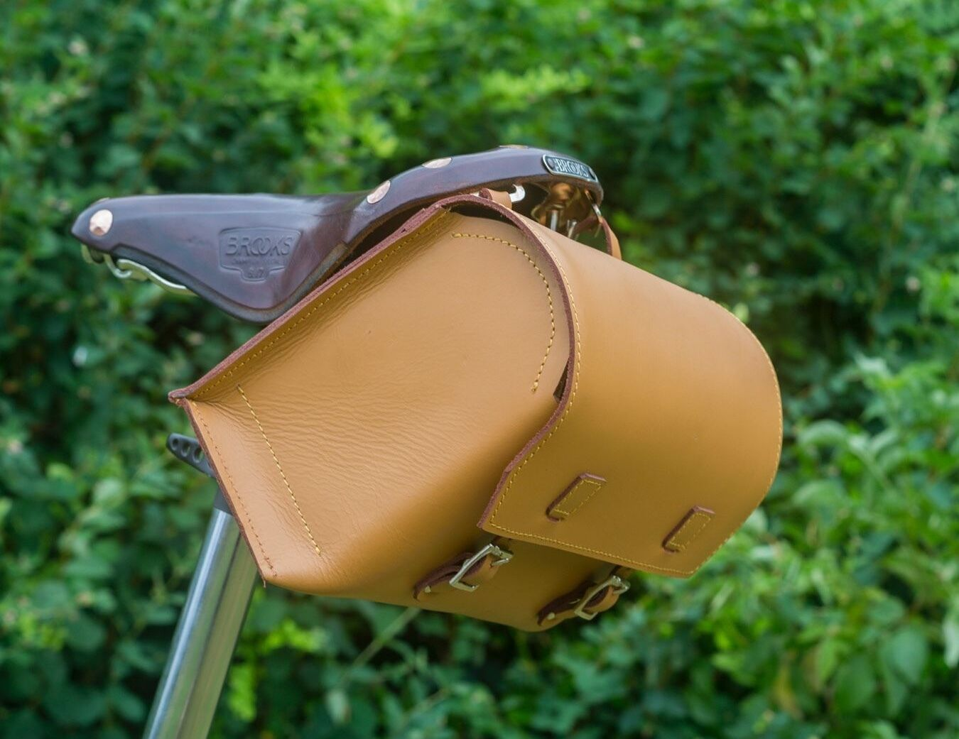 Bike Bag  Natural Genuine Leather LARGE SIZE Saddle Handlebar HONEY TAN Bicycle  order now with big discount & free delivery