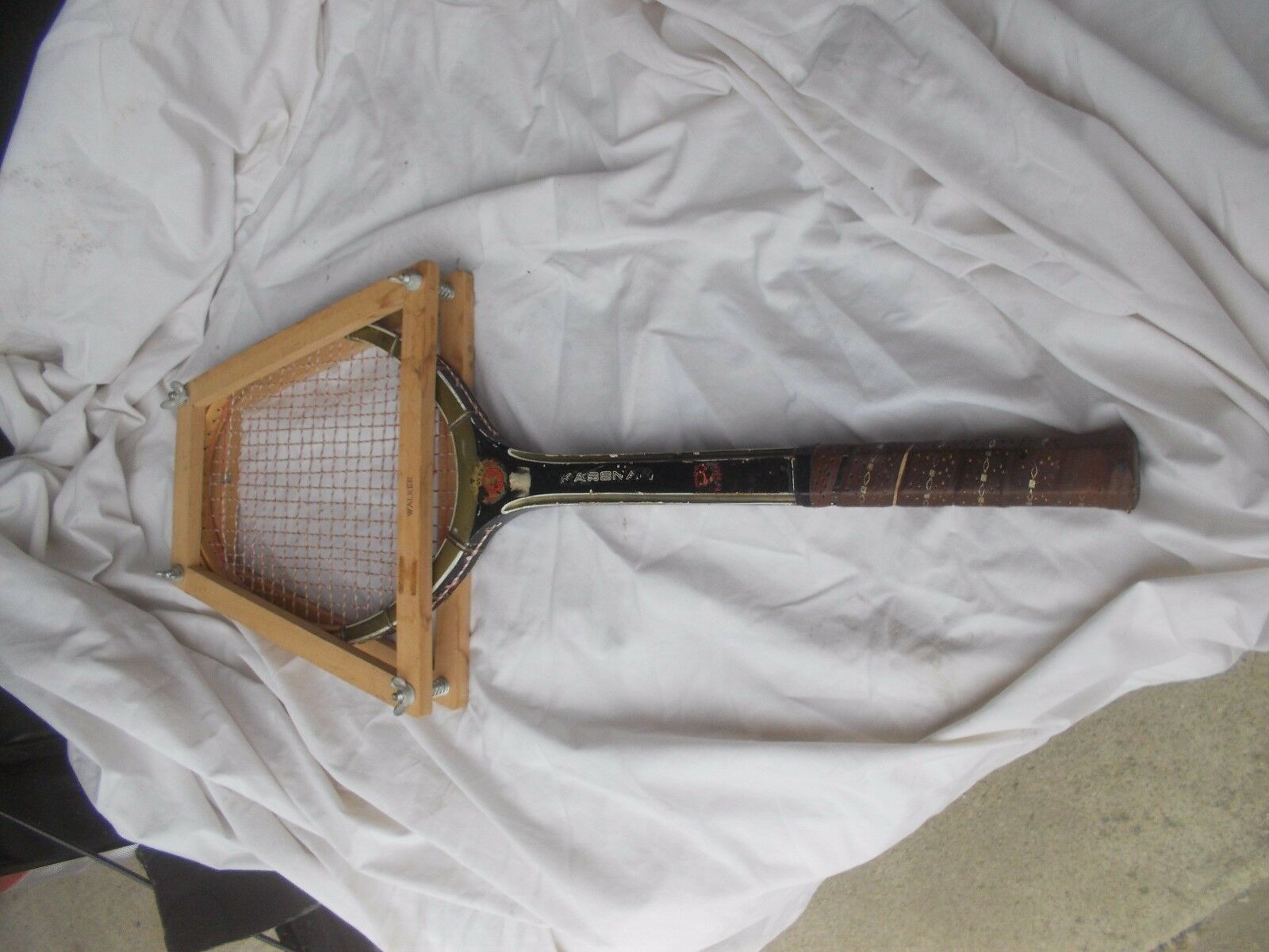 RARE VINTAGE 1970s Kassnayer Walker Player WOODEN WOOD TENNIS RACQUET + press