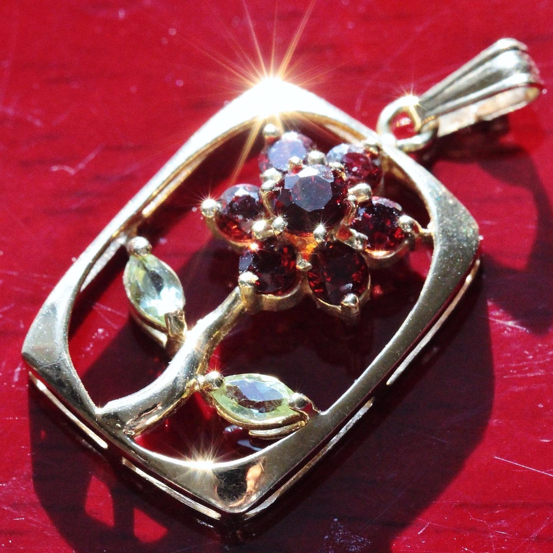 14k yellow gold pendant 0.88ct garnet peridot flower vintage handmade 1.8gr