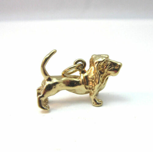 GOLD PLATED HOUND / BEAGLE DOG CHARM ***
