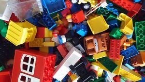 1-kg-Lego-DUPLO-bunt-gemischt-Steine-Haeuser-Waende-Autos-Figuren-Tiere-Konvolut
