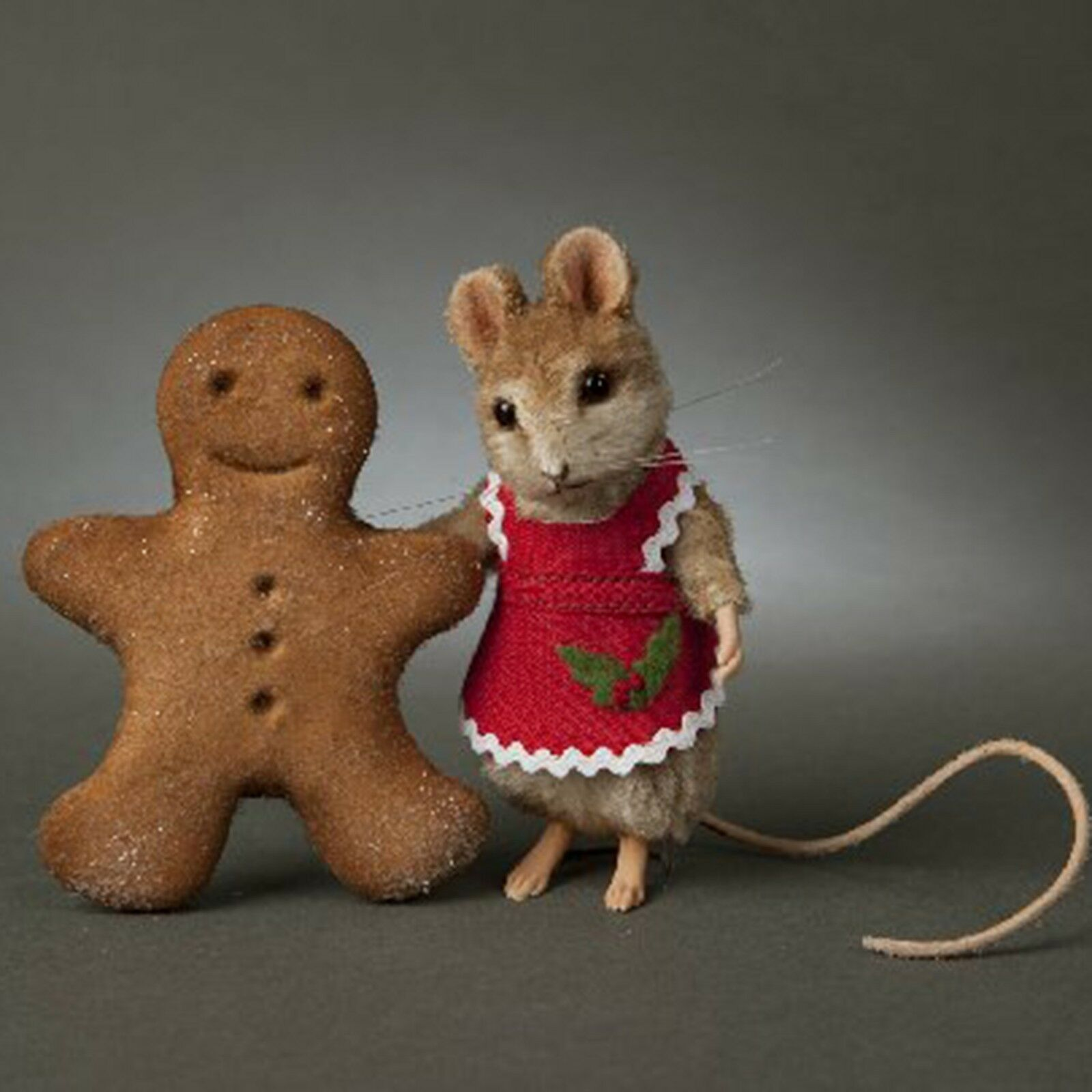 R John Wright Christmas Mouse  Ginger , wonderful detail, gorgeous mouse.