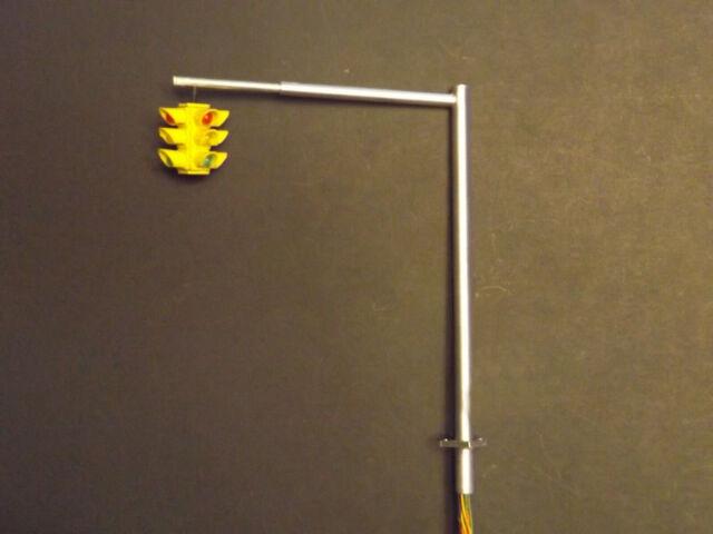 4-way Leonard Miniature Traffic Light 1/48 O-scale/ adjustable horizontal pole