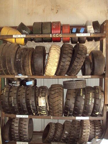 10x3x6-1 4 Forklift Rubber Press on Tire 10x3x6.25