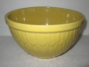 Yellow mccoy medium pottery mixing batter bowl with fish for Fish batter bowl