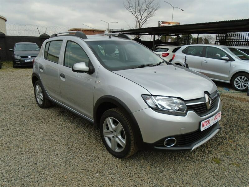 Renault Sandero 0.9 Turbo Stepway, Silver with 37000km, for sale!