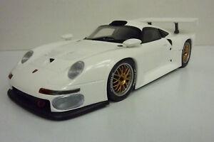 Ut-Models-1-18-Porsche-911-gt1-blanco-sin-VP-a1319