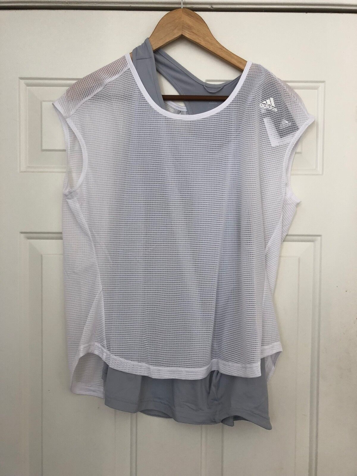 NWT WOMENS ADIDAS TKO 2 LAYER TANK TOP SIZE MEDIUM FREE GIFT W PURCHASE KUC514