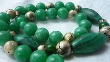 Vintage Necklace Green & Gold Beads con Broche de barril Imitación Jade Estilo Malaquita