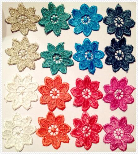2 pezzi Pizzo macramè forma fiore vari colori per creare orecchini 5x5,5 cm
