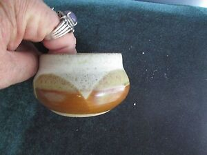 Small-North-Carolina-pottery-bowl-simple-unsigned-just-nice-design-2-75-wide