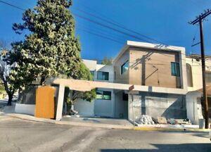 Venta de Casa en Contry La Silla Octavo Sector en  Guadalupe Nuevo Leon