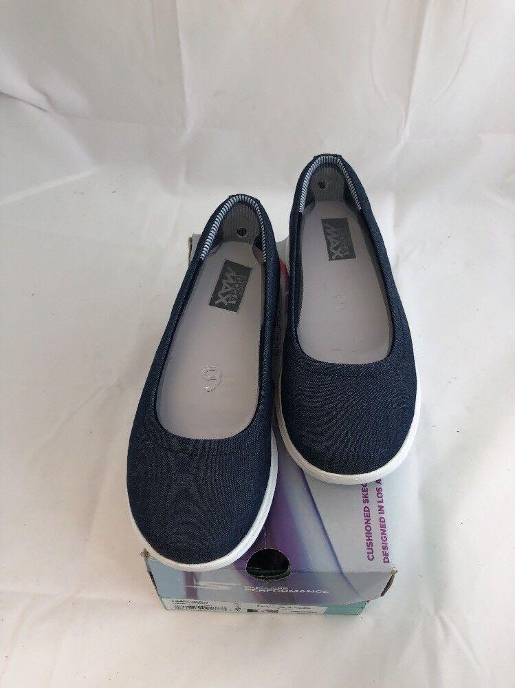Skechers Women's Go Step Lite-Lily Walking shoes size 6 Denim