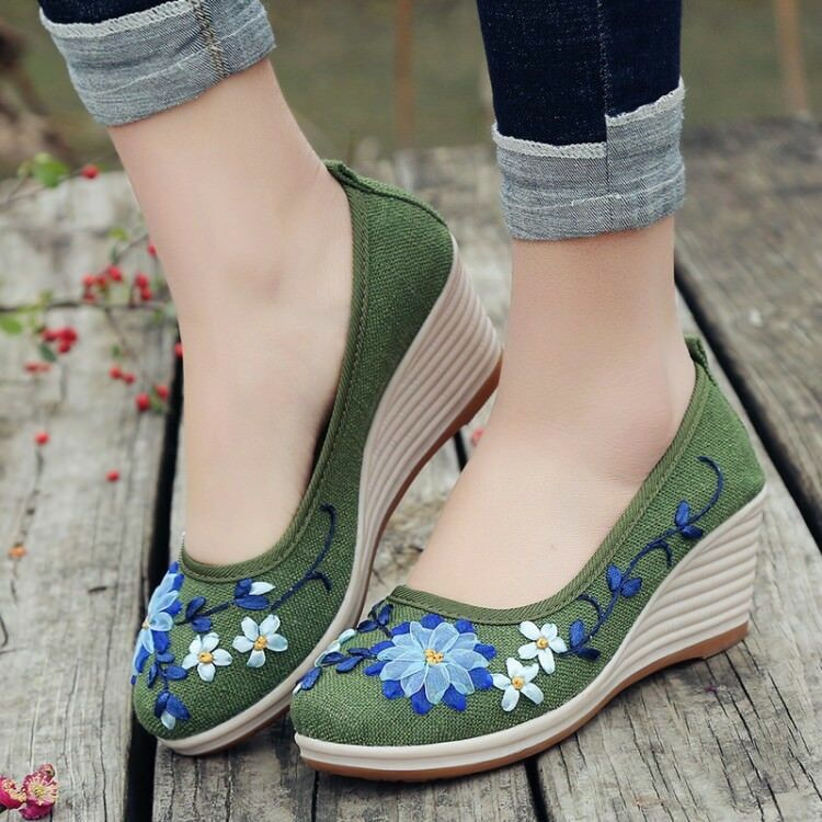 Women's Retro Canvas Floral Shoes Wedge Heels Slip On Loafers Loafers On Handsewn Soft Sole 89193a