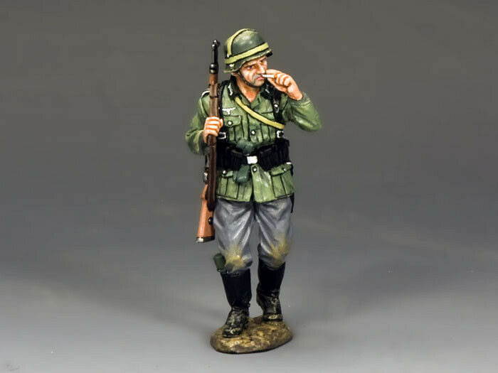 KING AND COUNTRY Soldat with Cigarette - WW2 German WS204 WS204