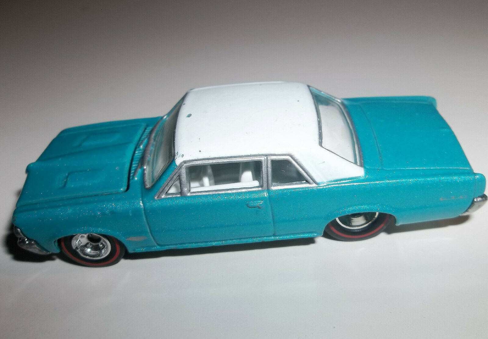 Hot Wheels Redline Pontiac GTO - - - Teal with White Interior & Roof  - '64 1964 7336f0