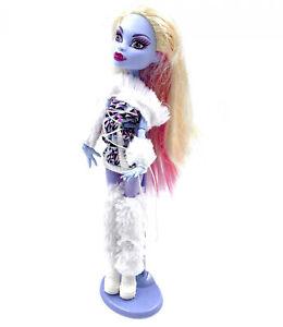 Mattel-monster-high-doll-abbey-Bominable-daughter-of-yeti-doll-v7988