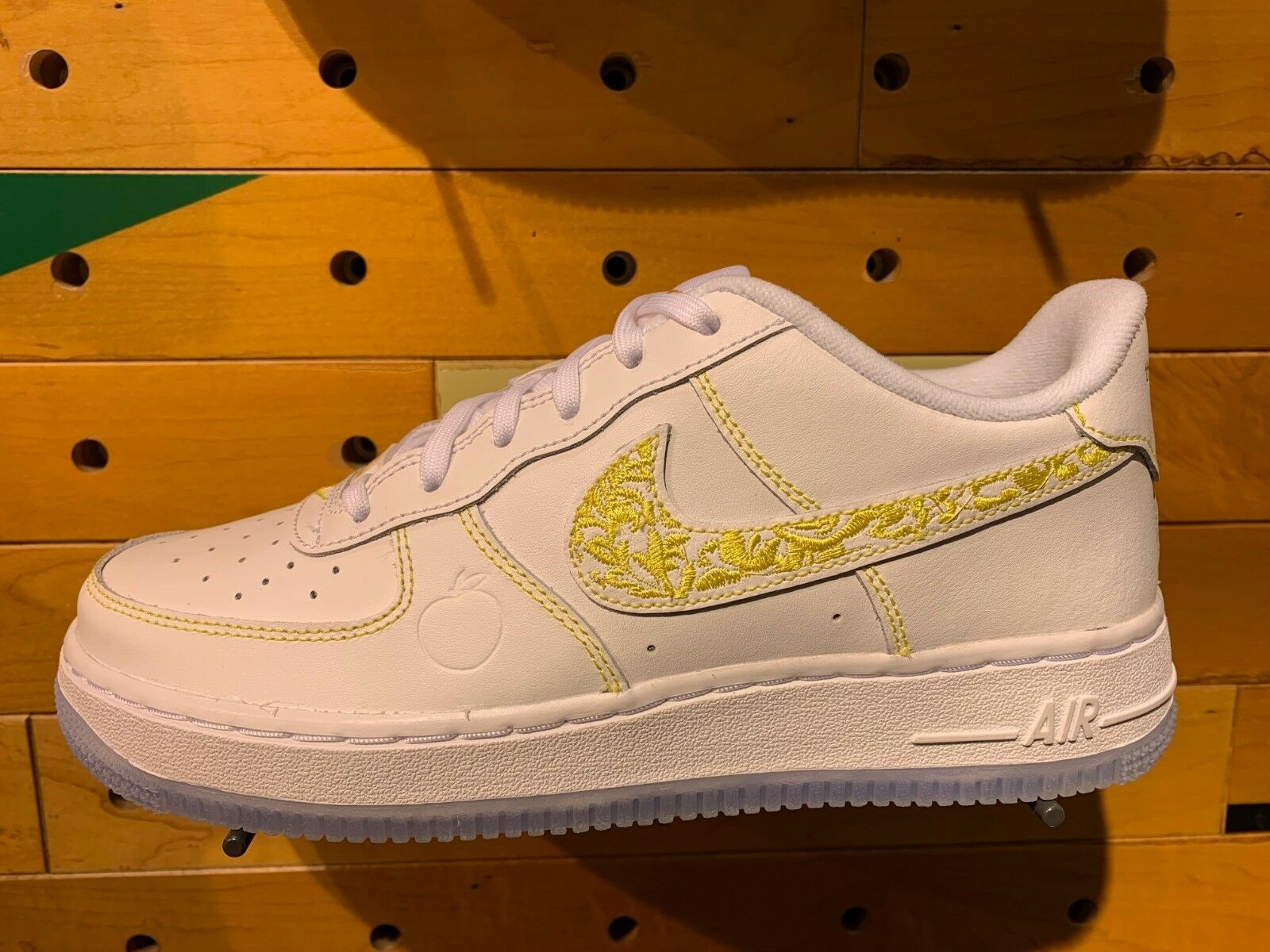 "NIKE NIKE NIKE AIR FORCE 1 LOW ""THE DIRTY"" ATL bianca Metallic oro-Desert Sz 4Y-13 NEW DS 59ea95"
