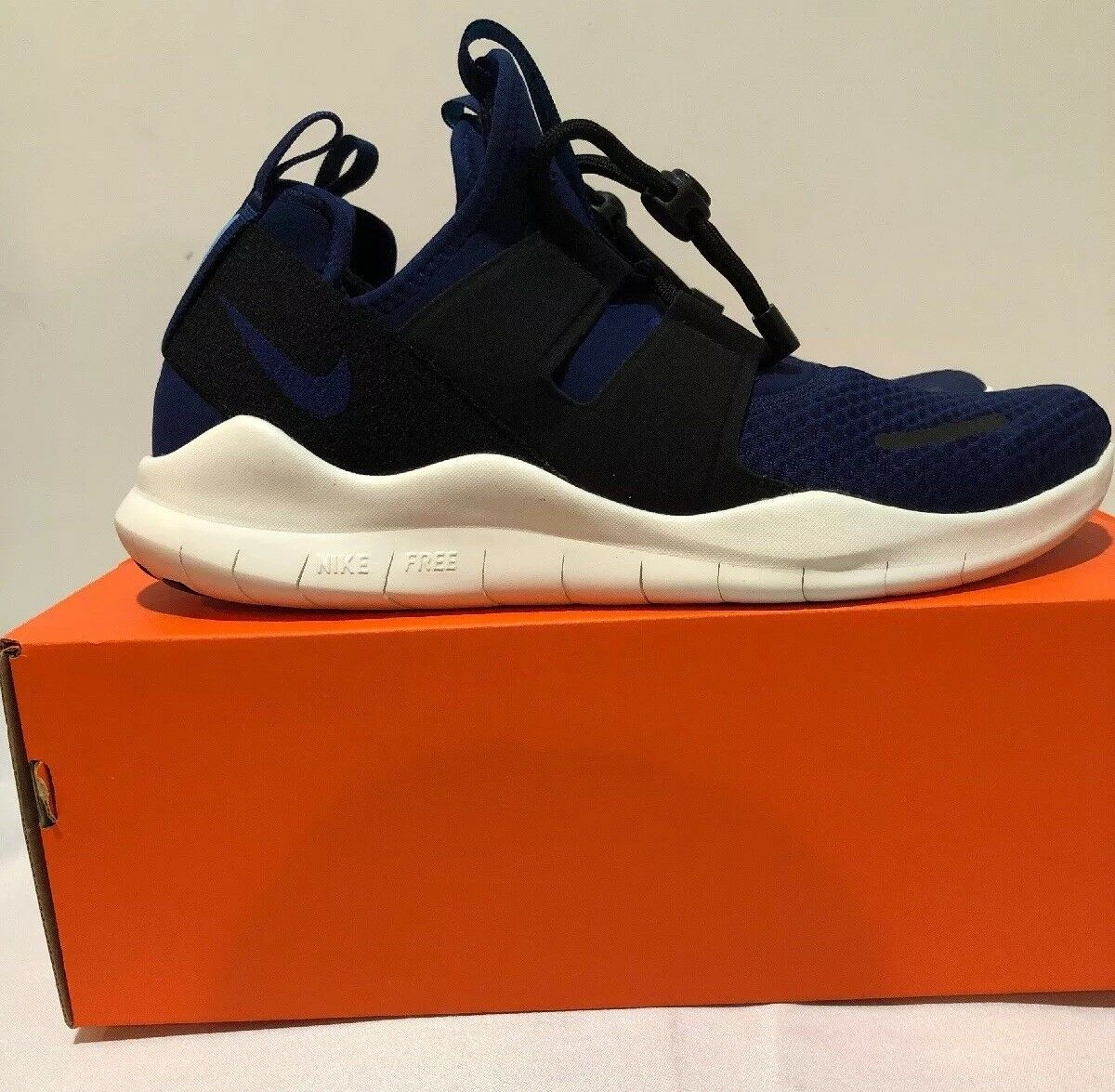 Nike Free RN CMTR 2018 bluee Navy Running Comfortable Training Size 11 Gym shoes