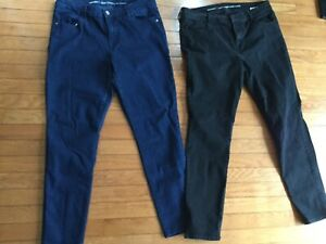 Women-039-s-Old-Navy-Super-Skinny-Jeans-Size-12-Black-and-dark-blue-lot-of-2-denim