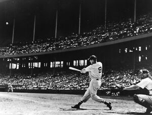 Ted-Williams-Boston-Red-Sox-UNSIGNED-8x10-Photo