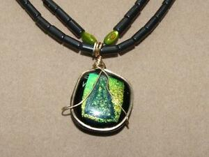 Black-Onyx-MOP-Earrings-amp-Necklace-w-Green-Gold-Foil-Dichroic-ART-Glass-Pendant