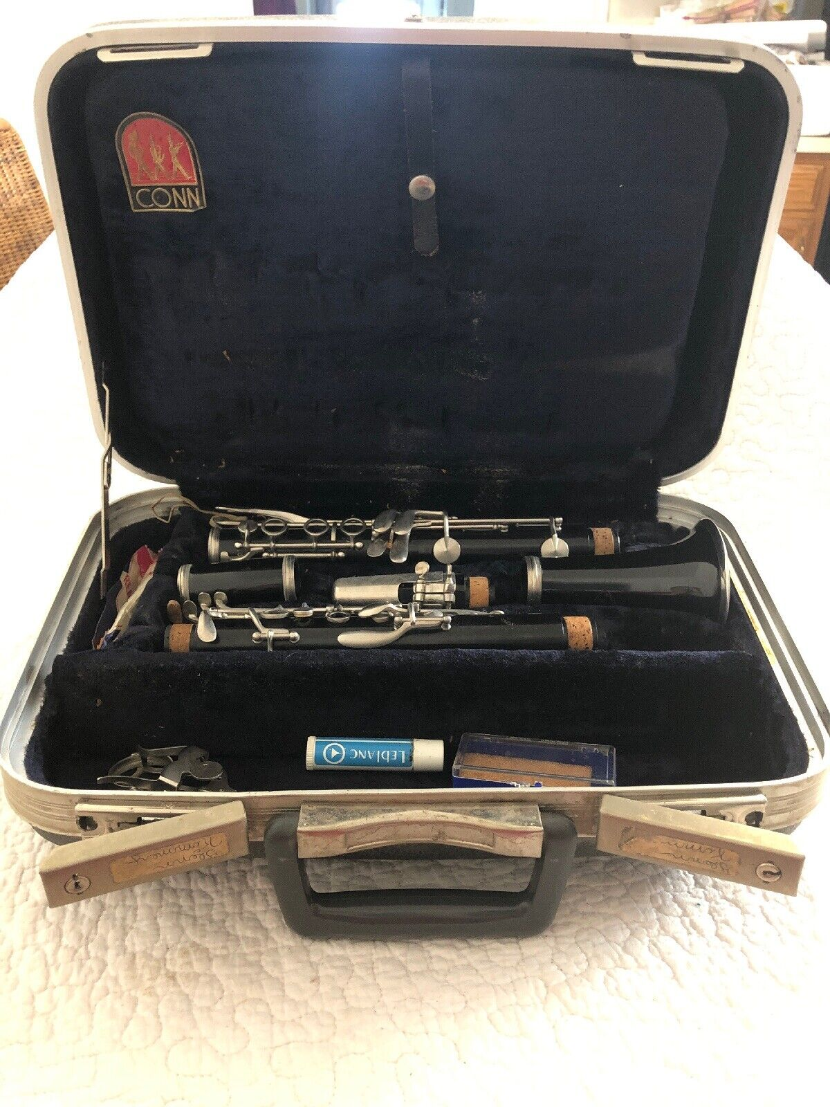 CONN 16 CLARINET With Conn Hard shell Case