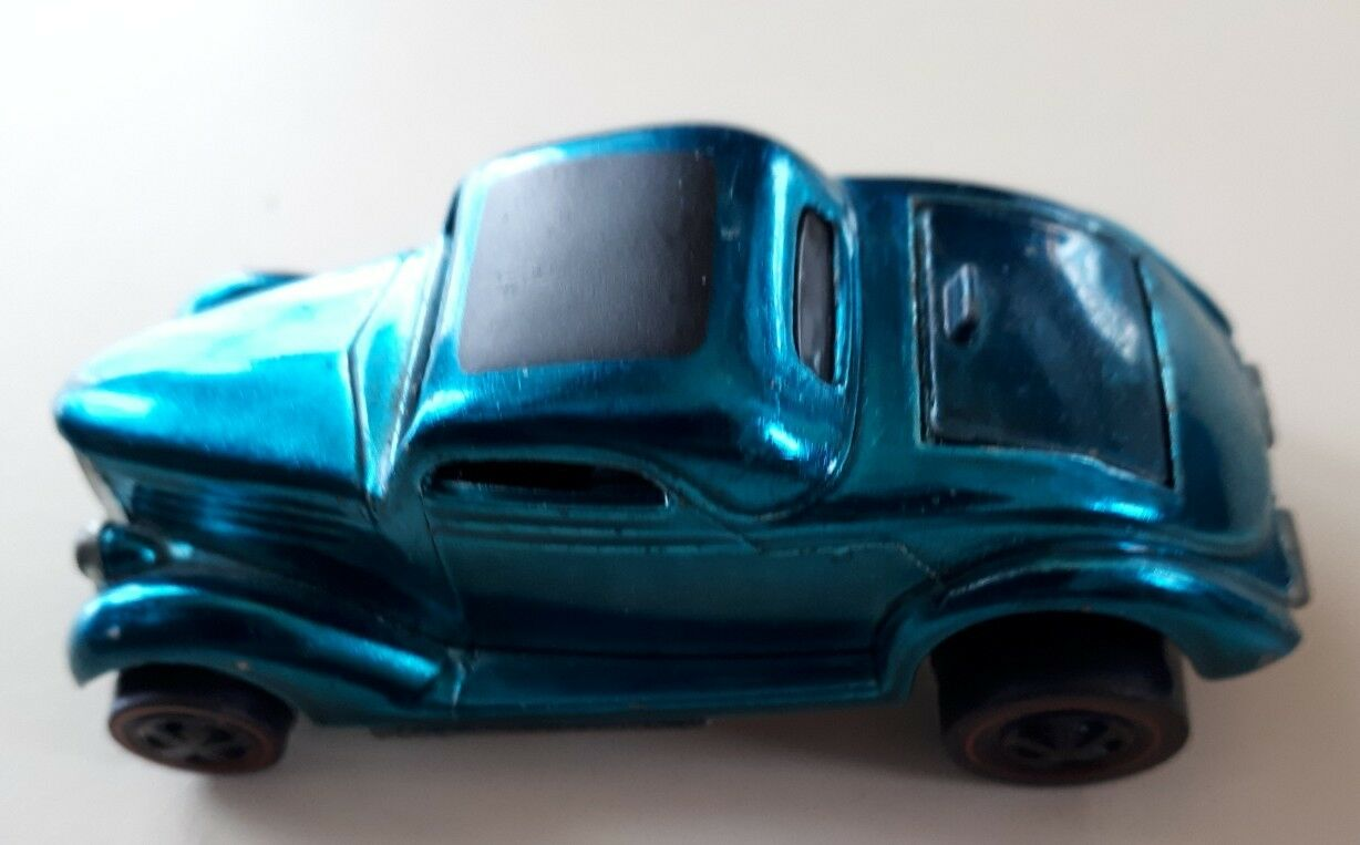 Classic 36 Ford Coupe 1968 nos Hot Wheels líneas rojas 1 64